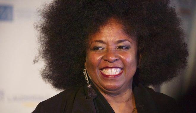 H  τραγουδίστρια της soul, funk και R&B, Μπέτι Ράιτ