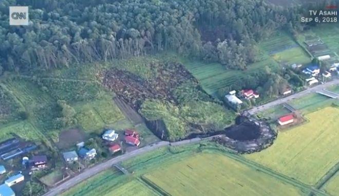 Ιαπωνία: 16 νεκροί - Βούλιαξε το χωριό με τα κατάφυτα βουνά