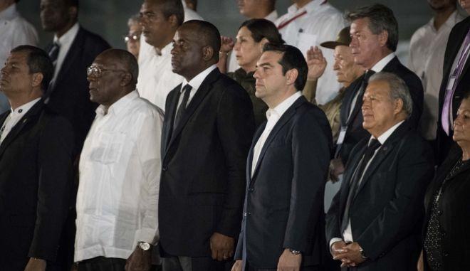 Ποιούς συνάντησε στην Κούβα ο Τσίπρας και ποιος του είπε 'Αλέξη, κρατάτε γερά'