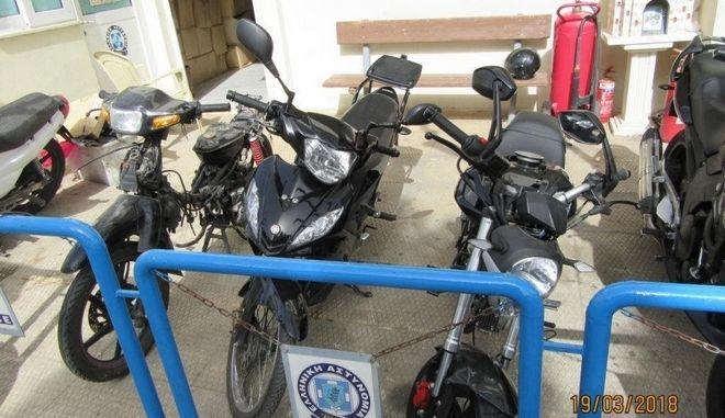 Εξάρθρωση σπείρας που έκλεβε μοτοσυκλέτες