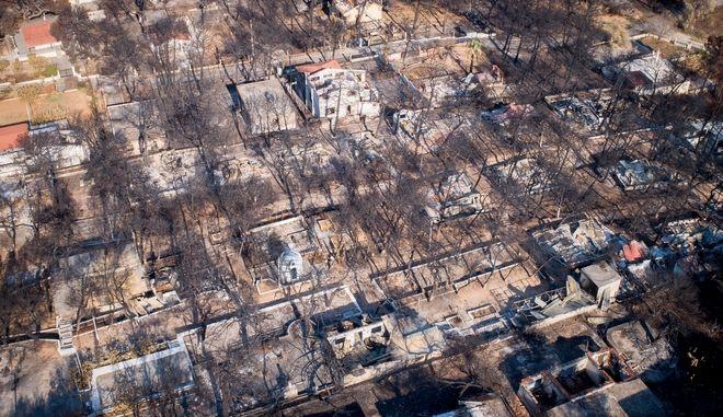 Αεροφωτογραφία από το Μάτι ένα μήνα μετά τη φονική πυρκαγιά
