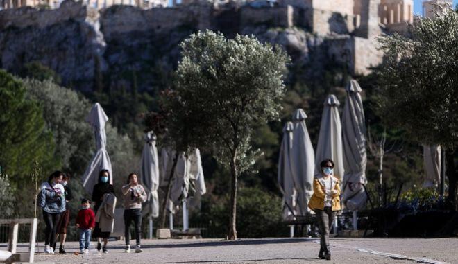 Κορονοϊός: 2.383 νέα κρούσματα σήμερα στην Ελλάδα - 41 νεκροί και 331 διασωληνωμένοι