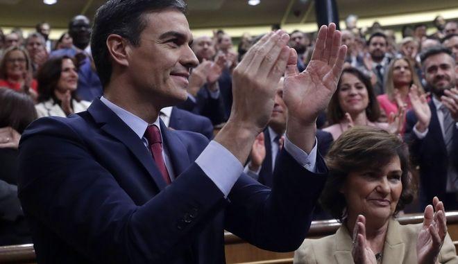Ο ισπανός πρωθυπουργός μετά την ανακοίνωση του αποτελέσματος.