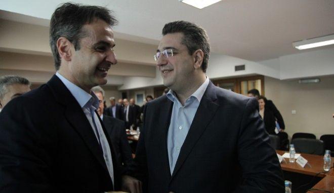 Συνάντηση του προέδρου της Νέας Δημοκρατίας Κυριάκου Μητσοτάκη με το Διοικητικό Συμβούλιο της Ένωσης Περιφερειών Ελλάδας (ΕΝΠΕ), την Παρασκευή 18 Μαρτίου 2016. (EUROKINISSI/ΓΙΑΝΝΗΣ ΠΑΝΑΓΟΠΟΥΛΟΣ)