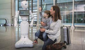 Ανθρωποειδές ρομπότ εξυπηρέτησης στο αεροδρόμιο του Μονάχου
