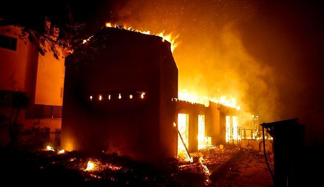 Πυρκαγιά στην Ραφήνα