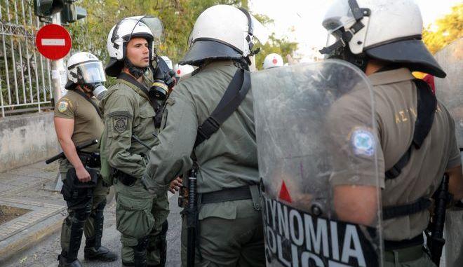 Ωμή αστυνομική βία καταγγέλλουν κάτοικοι και εργαζόμενοι στο Γαλάτσι