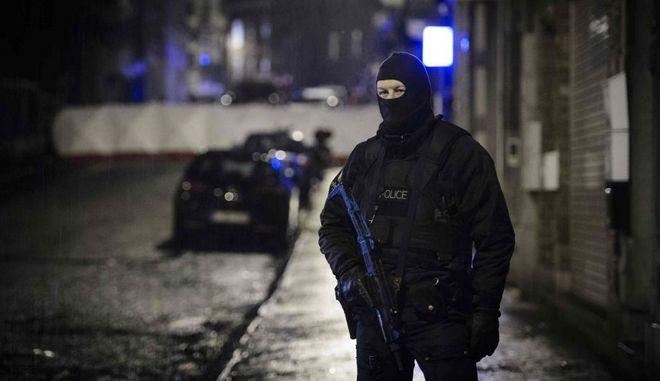 Ήξεις – αφήξεις των Βέλγων για τον Αλγερινό και επικίνδυνοι ερασιτεχνισμοί σε βάρος της Ελλάδας