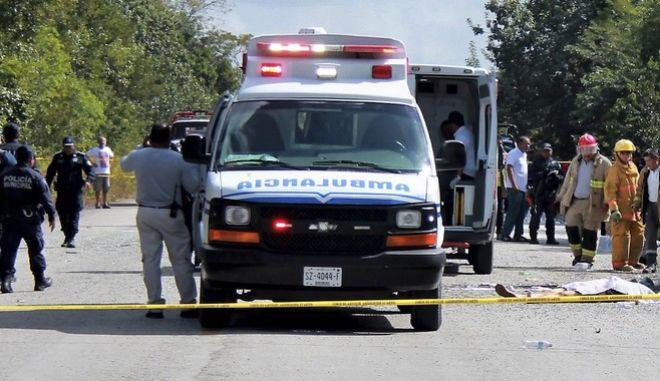 Ανατριχίλα στο Μεξικό: Εννιά διαμελισμένα πτώματα μέσα σε αυτοκίνητο