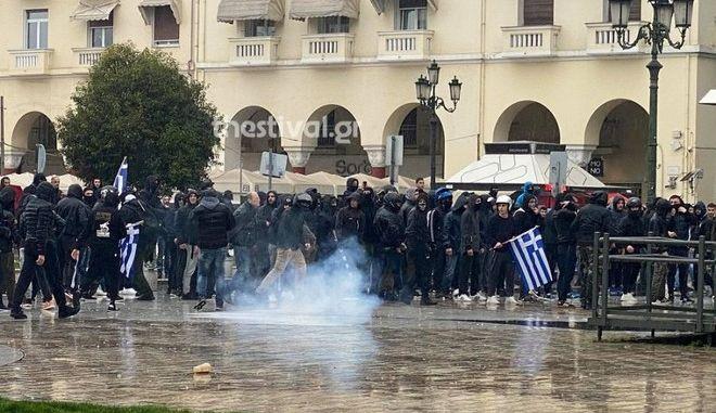 Θεσσαλονίκη: Μικροεντάστεις σε συγκεντρώσεις υπέρ και κατά των μεταναστών