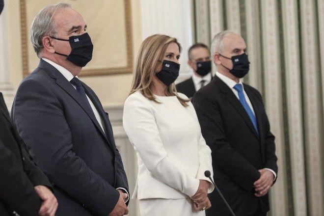 Ορκωμοσία των νέων μελών της κυβέρνησης στο Προεδρικό Μέγαρο