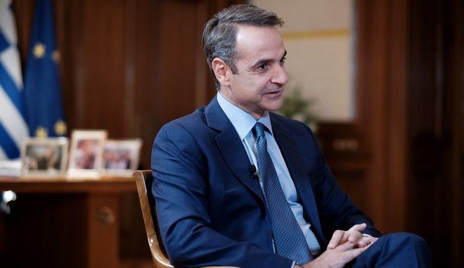 Ο πρωθυπουργός Κυριάκος Μητσοτάκης συμμετέχει σε διαδικτυακή συζήτηση με τον Εκτελεστικό Διευθυντή του Economist, Daniel Franklin.