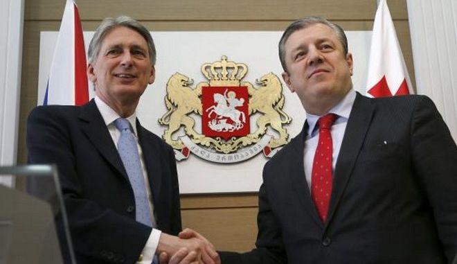 Βρετανός ΥΠΕΞ: Η Ρωσία αποτελεί απειλή για όλους στον κόσμο