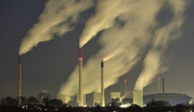 Σε επίπεδα ρεκόρ το διοξείδιο του άνθρακα στην ατμόσφαιρα