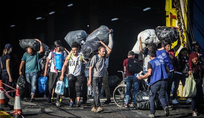 Άφιξη μεταναστών από τη Λέσβο στη Θεσσαλονίκη (φωτογραφία αρχείου)