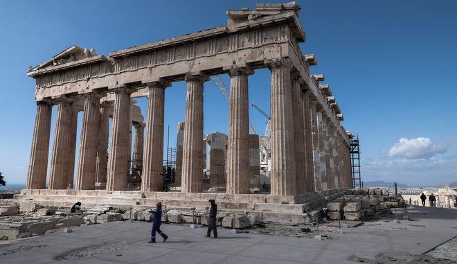 Στιγμίοτυπο από την Ακρόπολη.