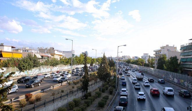 Κίνηση στους δρόμους: Πού εντοπίζονται προβλήματα - LIVE ΧΑΡΤΗΣ