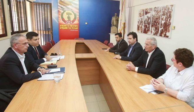 Συνάντηση του Παναγιώτη Ρήγα με τον Άντρο Κυπριανού και αντιπροσωπεία του ΑΚΕΛ