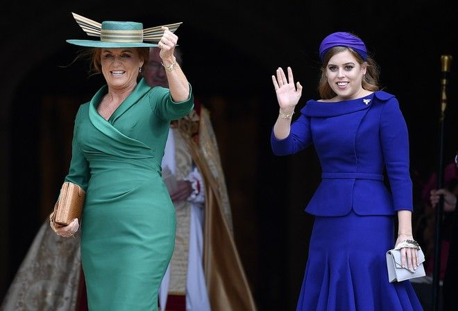 Η μητέρα της νύφης, Σάρα Φέργκιουσον και η αδερφή της, πριγκίπισσα Βεατρίκη