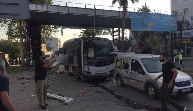 Τουρκία: Βομβιστική επίθεση σε λεωφορείο που μετέφερε αστυνομικούς - 5 τραυματίες