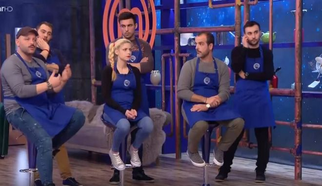 Master Chef: Ο διασυρμός της μπλε ομάδας και τα άψητα λουκάνικα 'τρόμαξαν' τους κριτές
