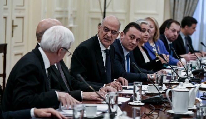 Στιγμιότυπο από την συνεδρίαση του Εθνικού Συμβουλίου Εξωτερικής Πολιτικής