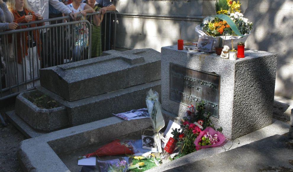 Το μνήμα του Morrison στο νεκροταφείο Pere Lachaise του Παρισιού.