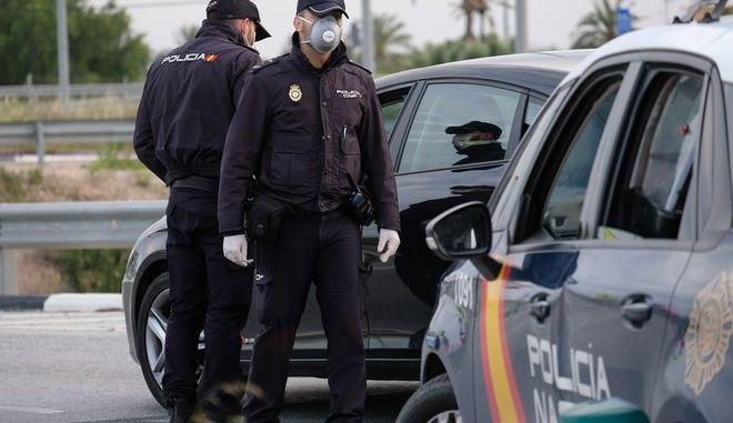 Αστυνομικοί στην Ισπανία (φωτογραφία αρχείου)