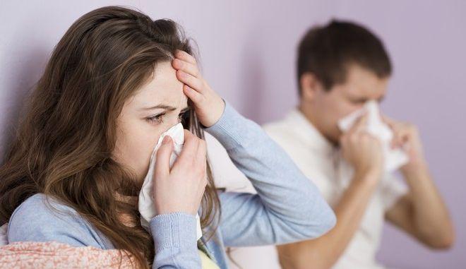 Γρίπη: Πώς την ξεχωρίζουμε από το κοινό κρυολόγημα
