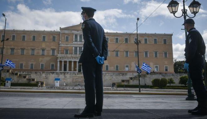 Στιγμιότυπα από το κέντρο της Αθήνας