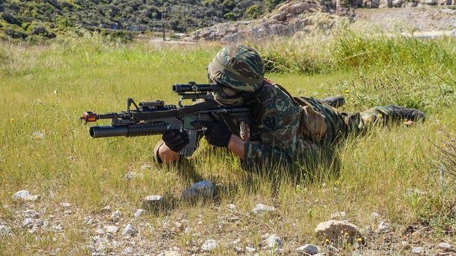 Ο Υπουργός Εθνικής Άμυνας Πάνος Καμμένος, συνοδευόμενος από τον Αρχηγό ΓΕΣ Αντιστράτηγο Αλκιβιάδη Στεφανή, παρακολούθησε κοινή άσκηση της Διοίκησης Άμυνας Νήσου (ΔΑΝ) Ικαρίας και του Τάγματος Εθνοφυλακής (ΤΕΘ) Αγίου Κηρύκου. Τετάρτη, 4 Απριλίου 2018.