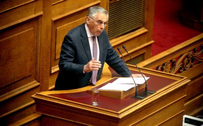 Αγορεύοντας από το βήμα του ελληνικού κοινοβουλίου