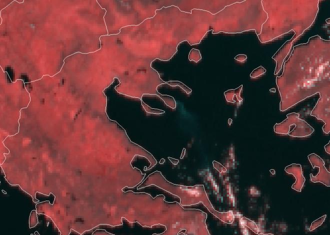 Δορυφορικές εικόνες από την φωτιά στη Σιθωνία: Μέχρι την Εύβοια ο καπνός