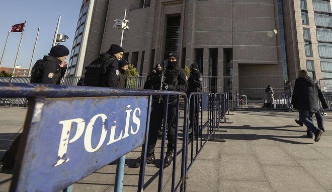 Τουρκία: Σκότωσε αστυνομικό και αυτοκτόνησε σε δικαστήριο