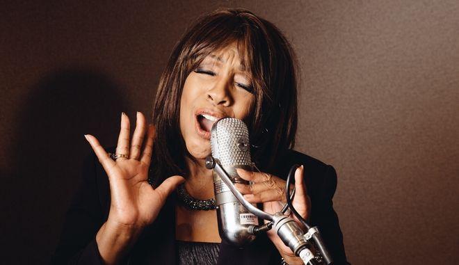 H τραγουδίστρια Mary Wilson, ιδρυτικό μέλος των Supremes