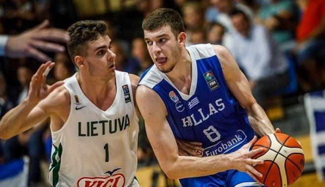 """Στους """"4"""" η Εθνική Εφήβων: Κέρδισε τη Λιθουανία"""