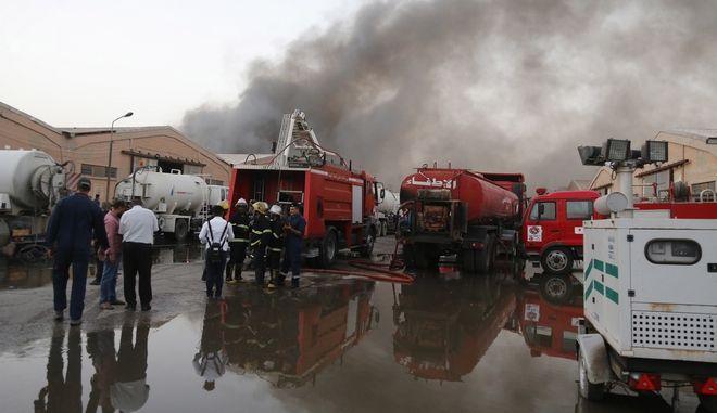 Κλιμάκια της ιρανικής Πυροσβεστικής Υπηρεσίας