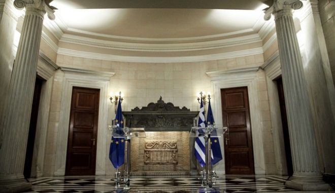 Meeting between the Prime Minister of Greece, Alexis Tsipras, and the President of the European Council Donald Tusk, in Athens, on April 5, 2017 /             ,  ,  5 , 2017