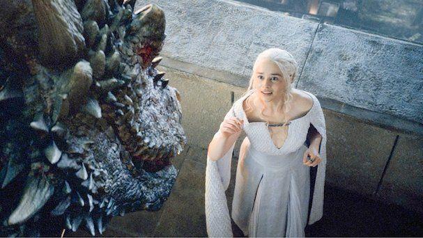 Από το 'Game of Thrones' στον 'Πόλεμο των Αστρων': Η Εμίλια Κλαρκ θα κάνει συντροφιά στον νεαρό Χαν Σόλο
