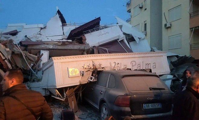 Τα σωστικά συνεργεία ερευνούν στα συντρίμμια ξενοδοχείου μετά τον σεισμό των 6,4 Ρίχτερ
