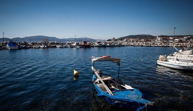Στιγμιότυπο από το λιμάνι στην Αγριά Μαγνησίας