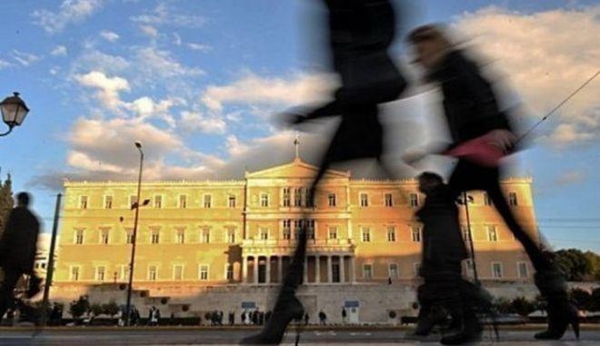Νέα έκθεση: Αδύναμες αγορές και αβέβαιη ανάπτυξη για τον ευρωπαϊκό Νότο το 2014