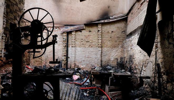 Ένας άνθρωπος εντοπίστηκε νεκρός από πυρκαγιά σε εγκαταλελειμένο κτήριο στου Ρέντη.
