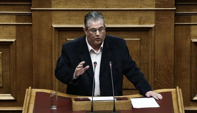 Parliamentary session in the plenum about the reserves of the municipalities, in the Parliament, Athens, Apr. 24, 2015 /           ,  , 24 , 2015