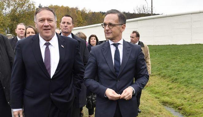 Οι υπουργοί Εξωτερικών Γερμανίας και ΗΠΑ Χέικο Μάας και Μάικ Πομπέο στο χωριό Μεντλαρόιντ στη Γερμανία