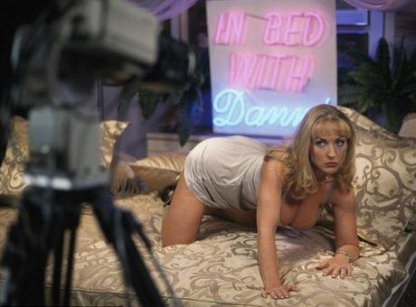 Dallaas μαζορέτες nude. Τέρατα πούτσο κανάλι.