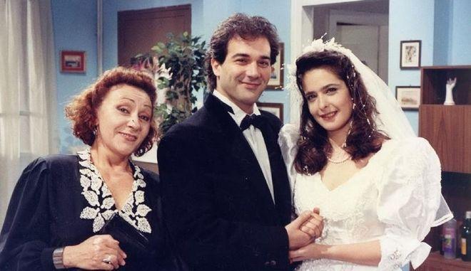 Φωτογραφία από τα γυρίσματα της τηλεοπτικής σειράς Ρετιρέ, όπου πρωταγωνιστούσε η Μαρία Μαρτίκα