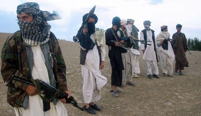 Πακιστάν-Αφγανιστάν 'κάθονται' στο τραπέζι με ΗΠΑ-Κίνα για τους Ταλιμπάν