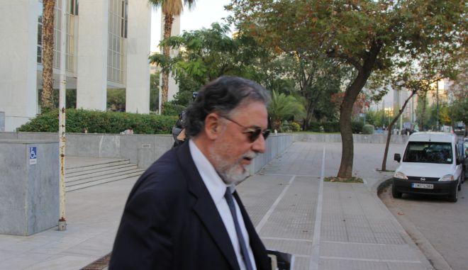 Ο πρώην υπουργός Προστασίας του Πολίτη Γιάννης Πανούσης, κατα την έξοδό του από το γραφείο του αντεισαγγελέα του Αρείου Πάγου, όπου κατέθεσε σχετικά με όσα έχει καταγγείλει περί ευθυνών κατά της ζωής του και της οικογένειάς του καθώς επίσης και για την μηνυτήρια αναφορά του υπουργού Δικαιοσύνης Ν. Παρασκευόπουλου και του αναπληρωτή υπουργού Προστασίας του Πολίτη Ν. Τόσκα. (EUROKINISSI/ΣΩΤΗΡΗΣ ΔΗΜΗΤΡΟΠΟΥΛΟΣ)