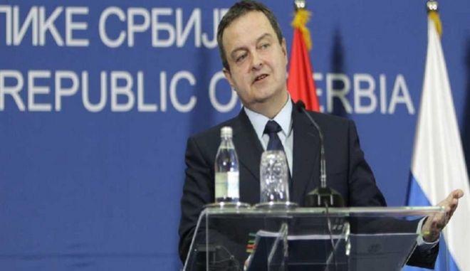 'Πόνεσε' τα Σκόπια η δήλωση του Σέρβου υπΕξ
